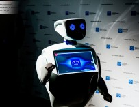 В центрах госуслуг и поликлиниках могут появиться говорящие роботы