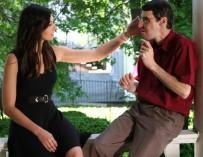 Жительница США дотронулась до лица своего покойного брата на другом человеке