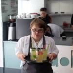 В Польше открылась кофейня, где работают только инвалиды