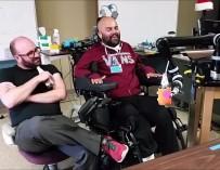 Ученые показали робота, управляемого силой мысли