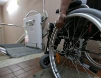 Минтруд предлагает использовать 10 млрд рублей из «антикризисных денег» на нужды инвалидов