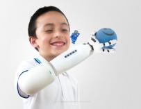 Протез руки из Lego, ковш прилагается