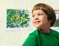 Восьмилетний мальчик с ДЦП собирает деньги на свое лечение с помощью шикарных рисунков