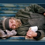 Помочь бездомному по… методичке?