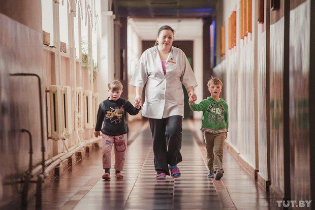 На снимке: воспитанники Богушевского интерната для детей с особенностями психофизического развития. Фото: Дмитрий Брушко, TUT.BY