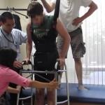 Как поднять на ноги парализованного человека