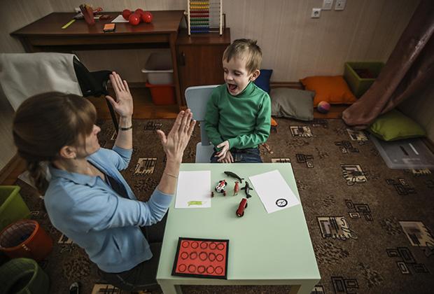 АБА-терапия Фото: Евгений Курсков / ТАСС