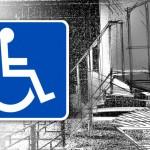 Мюнхгаузены на колясках вытаскивают себя из подъездов