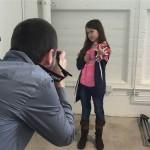 Десятилетняя девочка, лишенная руки, сделала себе протез в виде пушки, стреляющей блестками