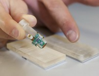 Разработаны бионические протезы, распознающие текстуру поверхности