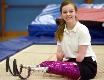 Лишившаяся рук и ног британка выиграла соревнования по прыжкам на батуте