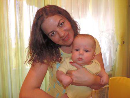 Арсюша Баюс с мамой Олесей