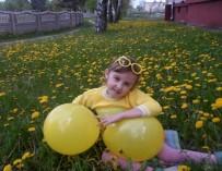 Главное – не разбиться! Как живется в Беларуси «хрустальным» человечкам?