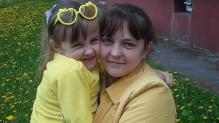 Настенька Ригарович с мамой Ольгой
