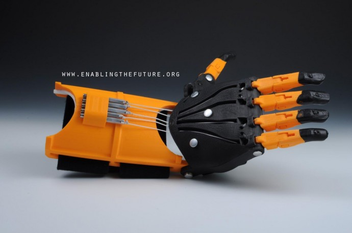 © Фото: e-NABLING The Future Модель протеза руки с сайта Enabling Future