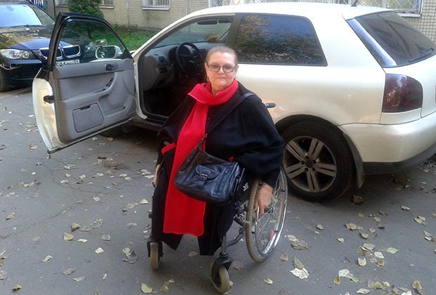 Татьяна Алексеевна никогда в жизни не водила машину, а в 70 с лишним лет научилась и теперь ездит постоянно Фото: предоставлено автошколой «Априори»
