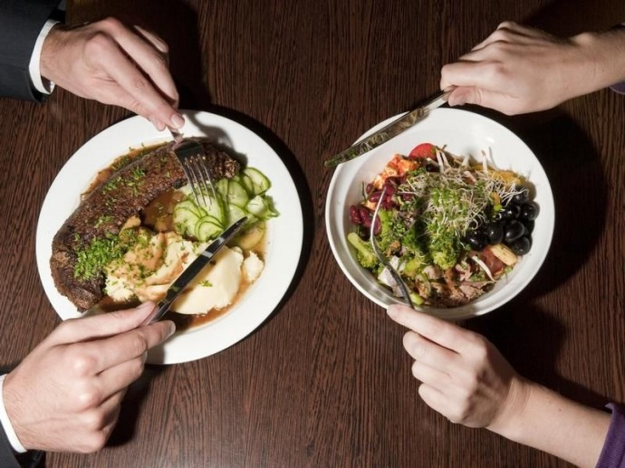 Люди с ФКУ не могут есть привычные остальным продукты. Поэтому каждый день решают вопрос: «Чем питаться?» Фото с сайта: rodonews.ru