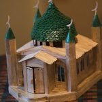 Игрушечная мечеть из палочек от мороженого изготовленная 12-летним Тилеком