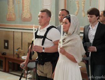 Первое в России Венчание человека в экзоскелете совершили в Архангельской епархии