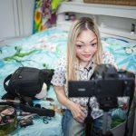 Как инвалид-бьюти-блоггер стала звездой интернета