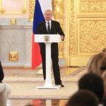 Путин пообещал отстраненным от Рио российским паралимпийцам провести альтернативные Игры
