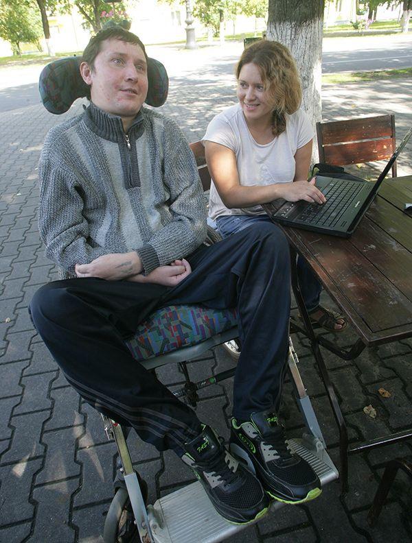 Александр Макарчук и Анастасия Лисовская, которая поддерживает его во всех начинаниях