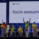 Волонтеры Паралимпиады получают благодарность за свой труд на церемонии закрытия Игр-2016 в Рио-де-Жанейро