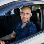 Слабослышащий водитель Uber: Штрафы за превышение получаю, как и все, но езжу практически без аварий
