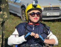 Девушка в инвалидной коляске взлетела в небо над Бердском