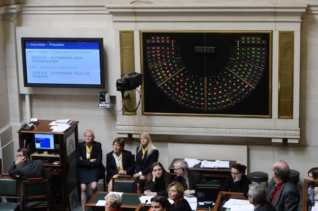 Голосование за легализацию детской эвтаназии в парламенте Бельгии, 3 февраля 2014 года Фото: Isopix / REX / Vida Press