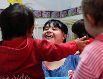В Аргентине воспитателем детского сада впервые стала женщина с синдромом Дауна