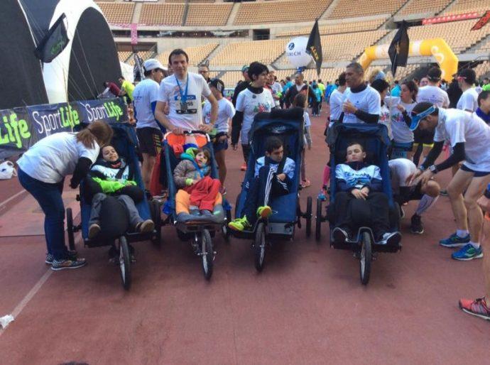 Лилия отлично вписалась в эту команду бегунов в колясках