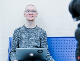 Программист из Санкт-Петербурга Иван Бакаидов помогает заговорить людям с нарушениями речи при помощи созданных им компьютерных программ