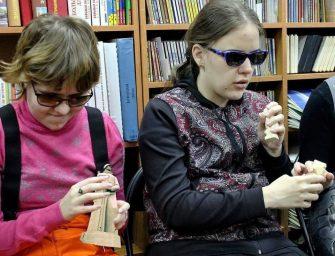 В Мурманске открылась творческая лаборатория для инвалидов по зрению