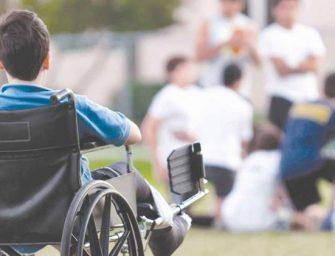 Все дети-инвалиды в РФ получат полный доступ в школы и детсады до конца 2020 года