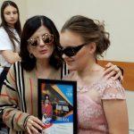 «Никогда не переставай мечтать». Как инвалид из Жабинки выступала на одной сцене с известными артистами
