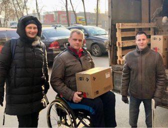 Активист и правозащитник из Санкт-Петербурга Никита Сорокин помогает людям, попавшим в трудную жизненную ситуацию, раздает продукты нуждающимся, оказывает безвозмездные юридические услуги